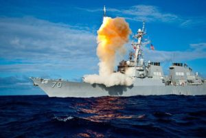 SHIP-BORNE BALLISTIC MISSILE DEFENSE TEST-FIRING ABOARD THE USS HOPPER (DDG 70) NEAR HAWAII. PHOTO: WIKIMEDIA COMMONS.